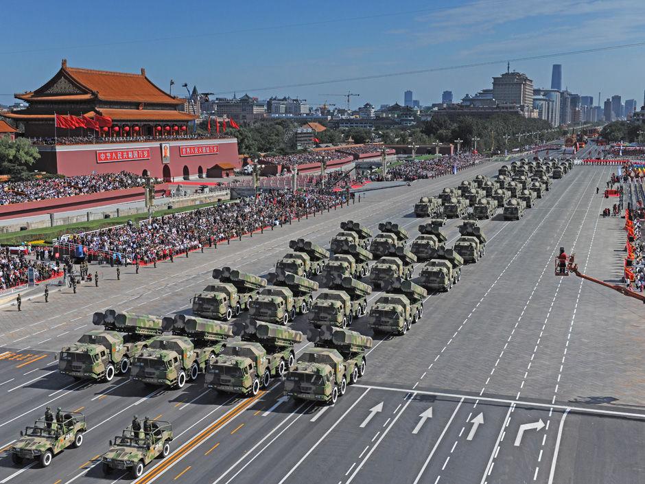 【组图】建国后国庆大阅兵1949―2009 - wzx - 话说哈尔滨―天鹅项下的珍珠城